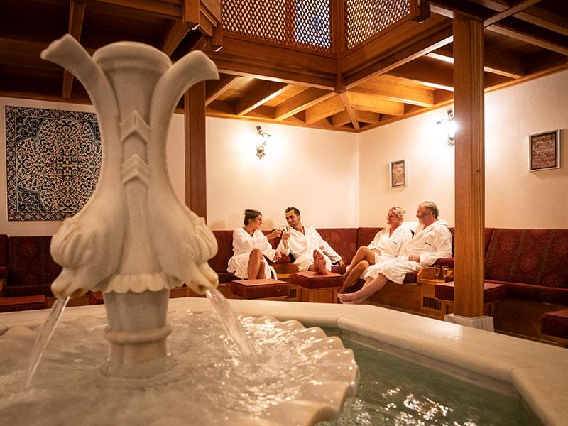 Sammeln Sie Ruhe im Camekan, der orientalische Ruheraum im Hamam